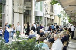 Shopping mile & restaurants in the düsseldorfer city